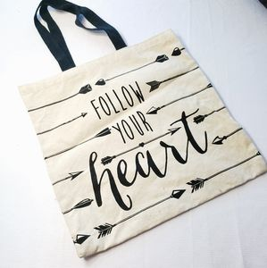 Handbags - $6❤FOLLOW YOUR HEART ARROW Tote Bag❤$6 BUNDLED❤